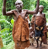 Chimpanzee and Gorilla Tracking (Trekking) Uganda tour - Batwa pigmy village culture experience