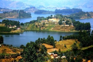 Uganda Travel Information, Advice and Tips - Lake Bunyonyi
